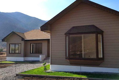 Casa de 135 m2 NUEVA en parcela de 6.800 m2 100% PLANA